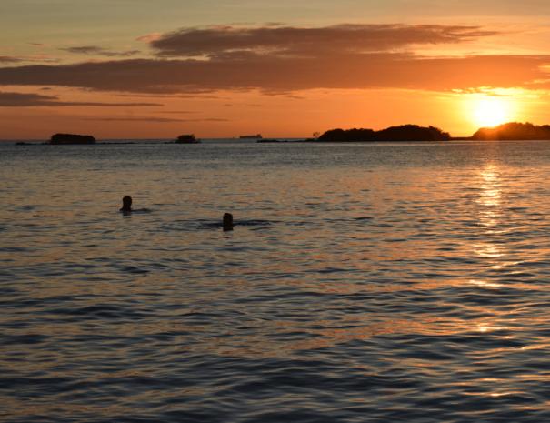 Sea-Breeze-Aruba-Sunset
