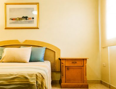 Sea-Breeze-Town-Room